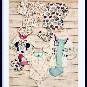 Lot 3T pajamas carters, old navy, baby gap 5 pair